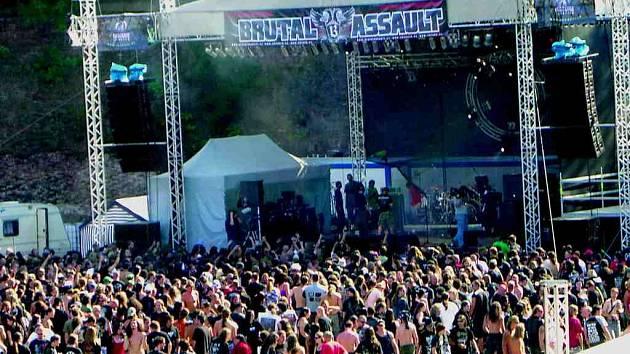 Z hudebního festivalu Brutal Assault.
