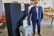 Jan Birke ještě včera odpoledne ve volební místnosti mohl doufat v zázrak. Sčítání hlasů však rozhodlo jinak.