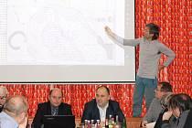 Starostové se dohodli na společném postupu a v závěru jednání podepsali deklaraci proti záměru průzkumu a těžby uranu a metanu v česko-polském pohraničí.
