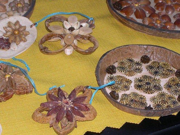 Ukázka některých  výrobků zapojených do letošního ročníku soutěže Šikovné ruce pro Hospic.