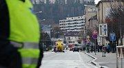 Pro zraněného chodce musel do Náchoda vrtulník.