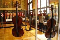 Houslaři a housle v Náchodě.