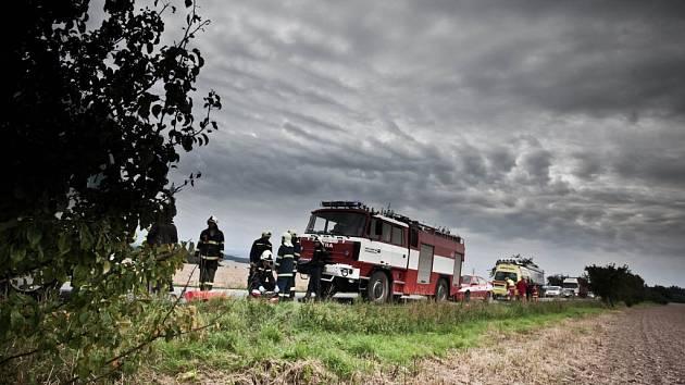 Novoměstští dobrovolní hasiči vyjeli spolu s profesionálními hasiči z Dobrušky k obci Spy, kde se srazily dva náklaďáky.