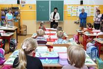 První školní den v Červeném Kostelci.