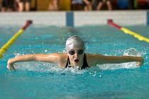 DOMÁCÍ plavkyně Petra Lemfeldová nenašla přemožitelku hned ve čtyřech disciplínách. Na trati 200m polohově se navíc posunula do čela letošních českých tabulek.