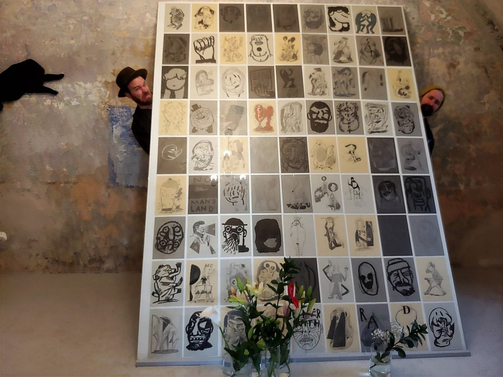 Výstava nazvaná Sféra vlivu.