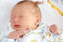 TOBIÁŠ KOHL se narodil 18. března 2013 v 11:37 hodin s váhou 2530 gramů a délkou 47 centimetrů. S rodiči Miroslavou a Milanem, a s šestiletým bráškou Tadeáškem, mají domov v Červeném Kostelci.