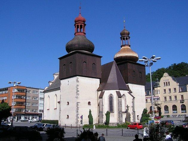 Děkanský kostel sv. Vavřince v Náchodě.