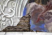 FRESKÁM V KOSTELE Všech Svatých v Heřmánkovicích se dostává pozornosti.