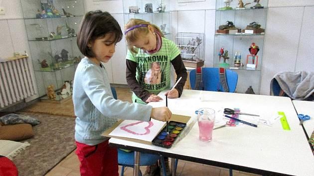 Tvoření v Muzeu papírových modelů v Polici nad Metují.