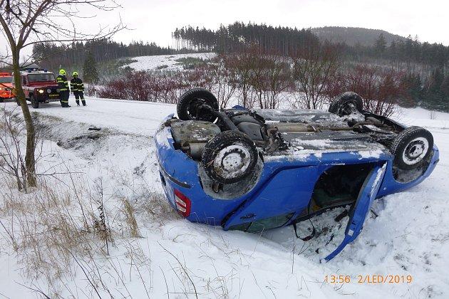 Havárie osobního automobilu uPěkova.