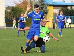 ŠLÁGR posledního kola mezi Českou Skalicí a Velkou Jesenicí (v modrém) vyhráli domácí těsně 4:3.