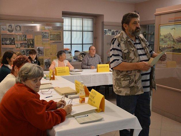 Volební komise zasedla i v budově Regionálního muzea v Náchodě.