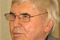 Za grafickou tvorbu získal novoměstský rodák Vladimír Suchánek na 30 cen. V roce 2006 dostal státní vyznamenání, medaili Za zásluhy v umění. V oblasti grafického exlibris patřil k významným tvůrcům, pro sběratele z celého světa vytvořil téměř 500 exlibris