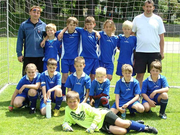 Závěrečný turnaj starších přípravek vyhrálo domácí složené mužstvo Meziměstí/Teplice.