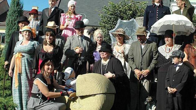 Letošní Garden party se nesla v duchu roku 1931.