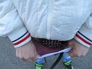 Pašerák ukrýval svoji zásilku ve spodním prádle, v boxerkách.