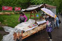 Okolí Bartoňovy útulny v Pekle v sobotu ožilo farmářskými a řemeslnými trhy.