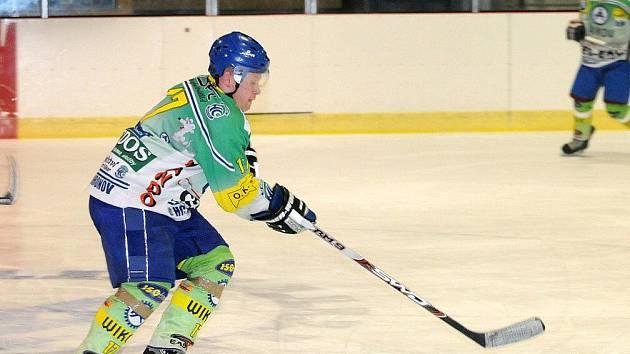 Hokejisté Hronova, lídr aktuální tabulky Krajské ligy, dnes hrají doma s Třebechovicemi.