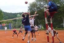 Do měření  sil krajských volejbalových týmů mužů a žen se zapojilo celkem šest mužských a sedm ženských družstev.