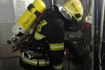 Požár výrobní linky způsobil škodu za půl milionu.