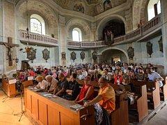 V KOSTELE VŠECH SVATÝCH v Heřmánkovicích vystoupilo Trio La Musica.