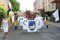 Závěr folklorního festivalu v Červeném Kostelci.