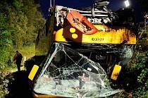 Při nehodě českého autobusu v Bavorsku zemřel jeden Čech. Více než dvě desítky pasažérů byly zraněny, z toho dva těžce.