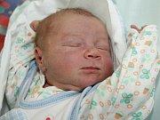 JAN HOFMAN z Jaroměře se narodil 7. listopadu 2016 v 18.42 hodin rodičům Ivetě a Janovi. Klouček vážil 3980 gramů a měřil 52 centimetrů. Doma se na něho těšila tříletá sestřička Eliška.