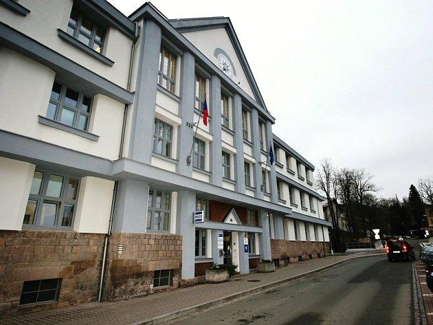 Nově opravené a zateplené budovy územního odboru policie v Náchodě.