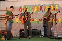 Kytaristí jaroměřské ZUŠky Miloš Dvořáček, David Fiedler a David Habiger vystoupili  na Městských slavnostech ve Vojniku.