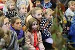 V Centru Walzel v Meziměstí se konal čtvrtý ročník Dýňových slavností, které pořádal spolek Dýně pro broumovské tchýně.