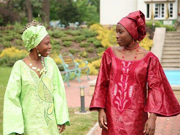 Africký brokát je ceněným vývozním artiklem, který Veba dodává zejména na západoafrický trh.