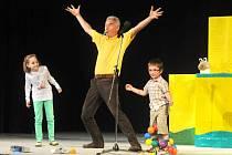 Představení Michal je kvítko v hronovském Jiráskově divadle.