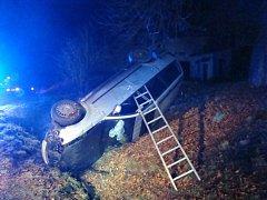 Nehoda automobilu ve Velkém Třebešově.