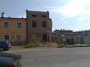 Dům v Tyršově ulici před demolicí.
