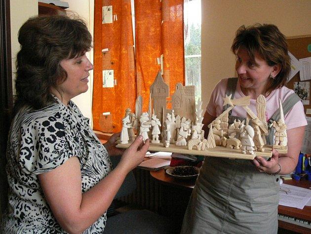 Šikovné ruce tvoří výrobky, které pomohou domácí hospicové péči.