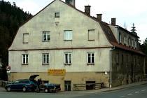 V bývalé papírně v Hronově, které se mezi místními říká také Čapkův mlýn, vznikne nová expozice.