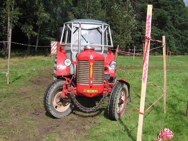 Jízda zručnosti traktoristů.