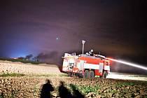 Požár stohu sena v Bohuslavicích nad Metují zaměstnal tři jednotky hasičů.