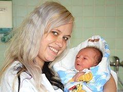 DANIEL KUBA se narodil 6. února 2013 v 18:06 hodin s váhou 2725 gramů a délkou 49 centimetrů. S rodiči Michaelou Lukáškovou a Martinem Kubou mají domov v Novém Městě nad Metují.