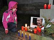 Řada pietních aktů k uctění památky Václava Havla se uskutečnila v Náchodě. Lidé podepisovali kondolenční listiny, zapalovali svíčky, vedení města položilo věnec před radnici.