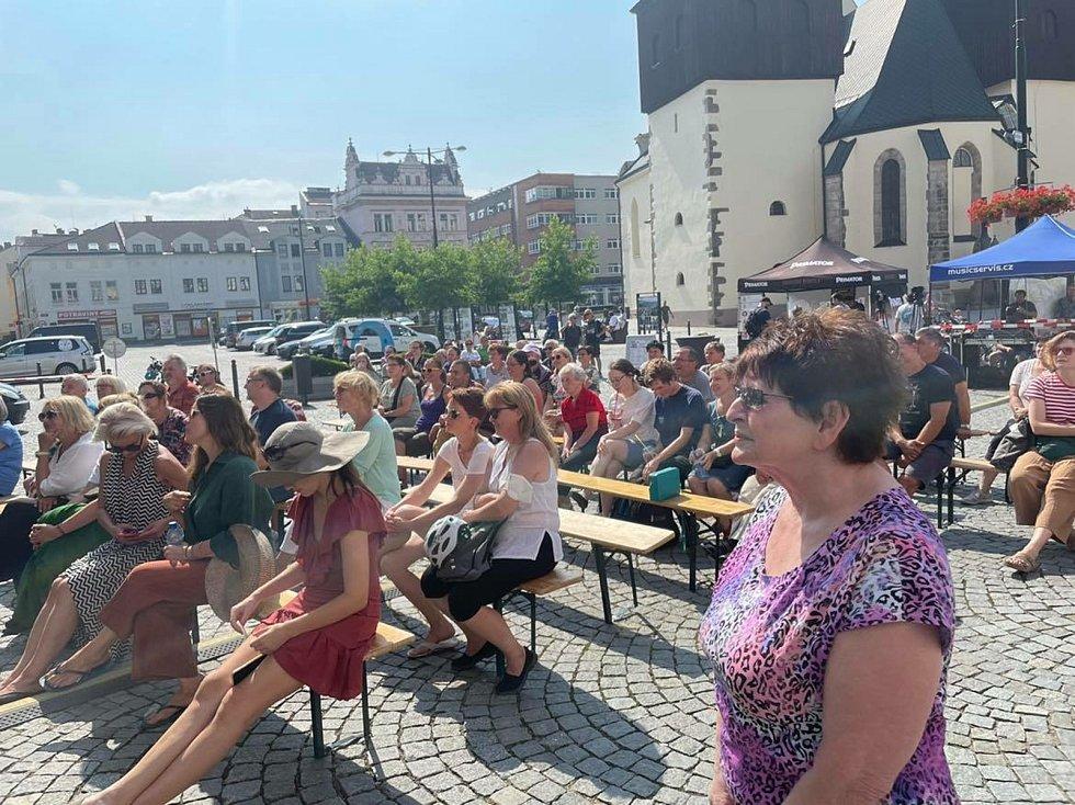 Součástí odpoledne bylo i povídání polského spisovatele a novináře Mariusze Szczygiela se známým římskokatolickým knězem Zbigniewem Czendlikem.