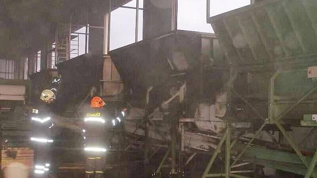 Požár výrobní haly v Říkově.