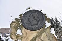 Pomník Aloise Tichatscheka v Teplicích nad Metují. Foto: Deník/Jiří Řezník