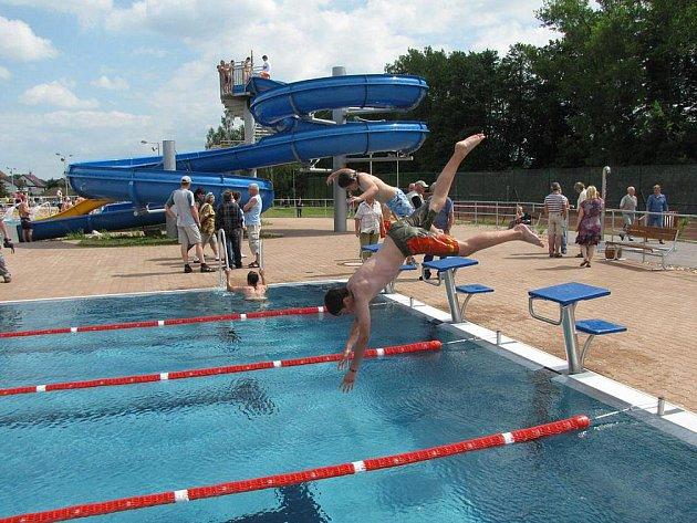 Bazén na koupališti v Meziměstí.