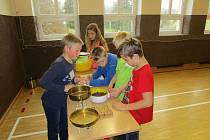 Škola v Suchém Dole uspořádala první vědomostní olympiádu.