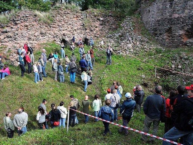 Zříceninu hradu oživily slavnosti Matouše z Frymburka.