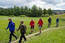 Nordic walking - v sobotu se uskutečnil výlet na Ostaš s instruktáží a bezplatným zapůjčením vybavení.
