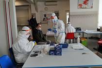 Zaměstnanci Farmetu hojně využili možnosti testování přímo v práci